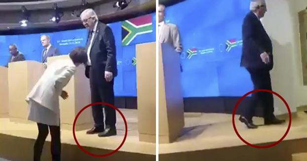 Juncker abandona una rueda de prensa cuando le avisan que lleva un zapato de cada color