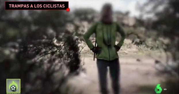 Denuncia de un ciclista a una mujer poniendo ramas en el camino: ''Hay gente que está en silla de ruedas''