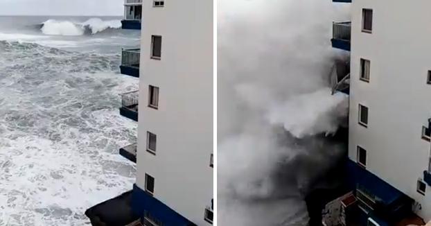 El oleaje alcanza el tercer piso de un edificio de Tenerife y destroza varios balcones
