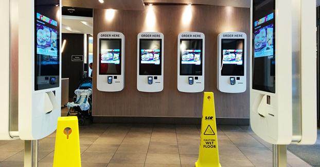 Hallan restos de heces en todas las pantallas táctiles de McDonald's inspeccionadas en Reino Unido