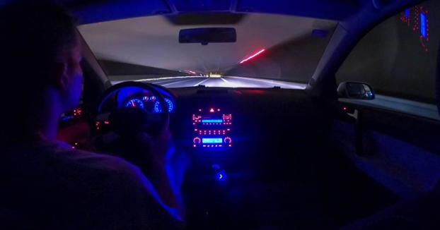 Un joven aprueba el carnet de conducir y le dura solo 49 minutos
