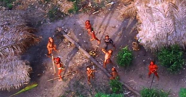 Un turista muere a manos de aborígenes en Sentinel del Norte, la isla a la que nadie puede acercarse