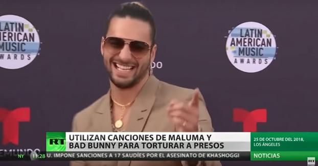 Un preso denuncia que lo torturan obligándole a oír canciones de Maluma y Bad Bunny