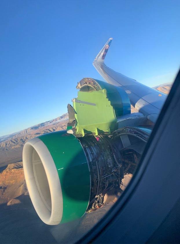 Se desprende en vuelo la cubierta del motor de un Airbus A320 de Frontier Airlines