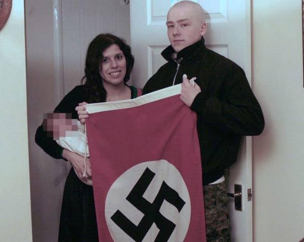 Condenan a cinco y seis años de cárcel a una pareja que llamó a su hijo Adolf Hitler Thomas Patatas