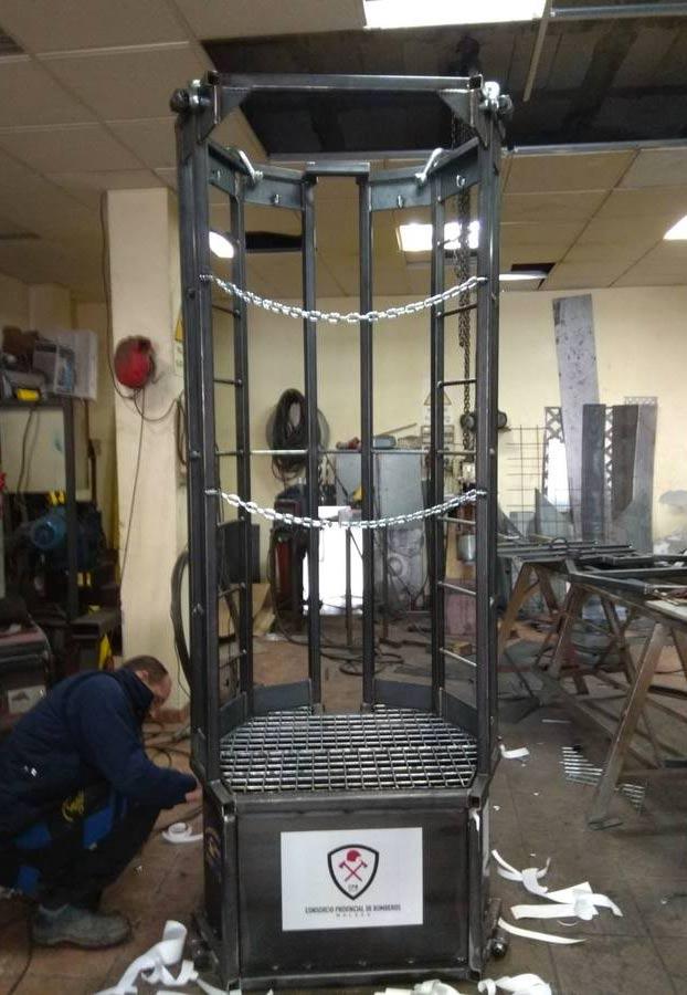 Así es la cápsula-ascensor fabricada para rescatar a Julen, el niño atrapado en el pozo de Totalán