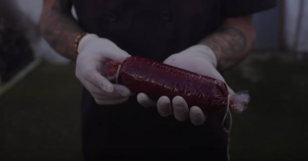 Morcilla hecha con tu propia sangre: la alternativa de un zaragozano para que sea un alimento vegano