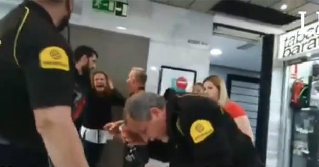 Una mujer agrede a un vigilante de seguridad en el CC Las Arenas de Las Palmas de Gran Canaria