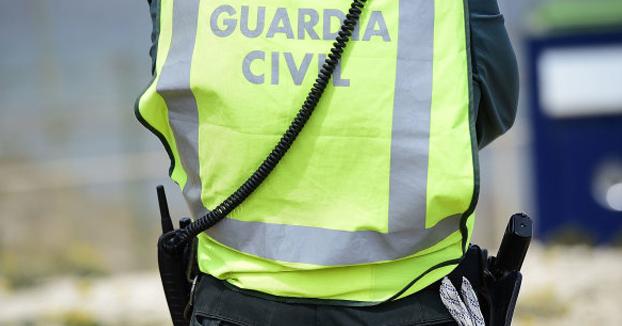 Dos guardias civiles, a juicio por poner el 'Cara al sol' y obligar a los clientes de un bar a meterse balas en la boca
