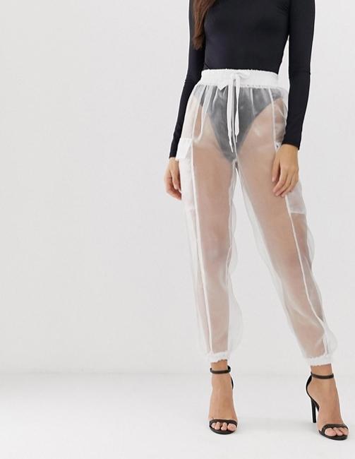Pantalones militares transparentes por 56 euros para ir divina de la muerte