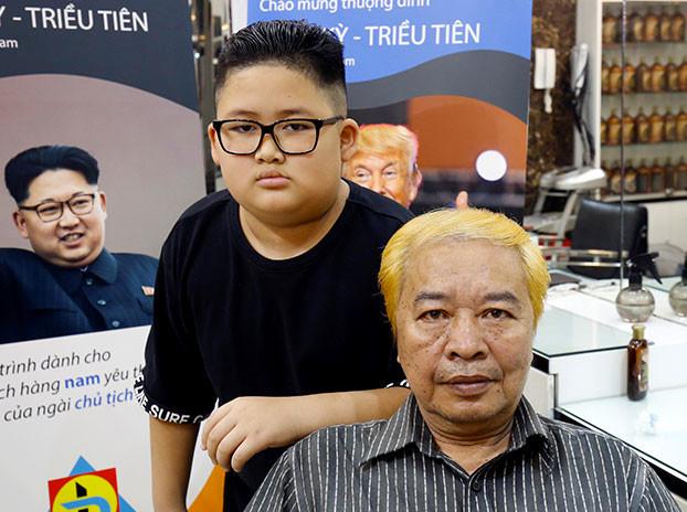 Una peluquería de Vietnam atiende gratis a los clientes que se quieran peinar como Trump o Kim Jong-un