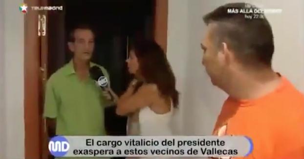 Pelea en plena entrevista entre un vecino de Vallecas y el presidente de la comunidad porque este cobra 4.800 euros al año por su cargo