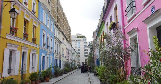 Los vecinos de la calle parisina Rue Crémieux declaran la guerra a los instagramers y piden vallas para limitar el acceso a la zona