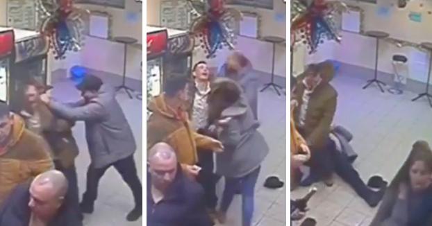 Una dependienta deja KO de un puñetazo a un hombre borracho que estaba agrediendo a otro