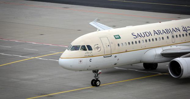 Un avión regresa de emergencia al aeropuerto porque una pasajera dejó olvidado a su bebé