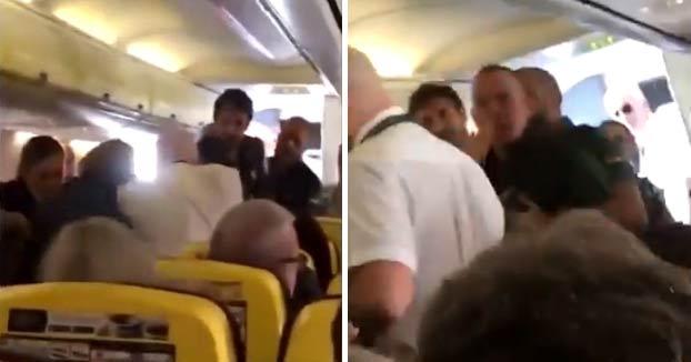 Pelea en un avión de Ryanair con destino Tenerife: un pasajero trata de arrancarle la nariz a otro de un mordisco