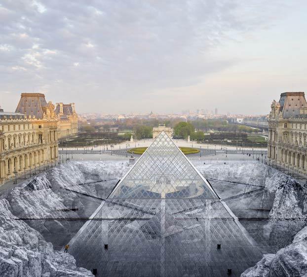 La ilusión óptica que hace que la pirámide del Museo del Louvre 'emerja de las rocas' por su 30 aniversario