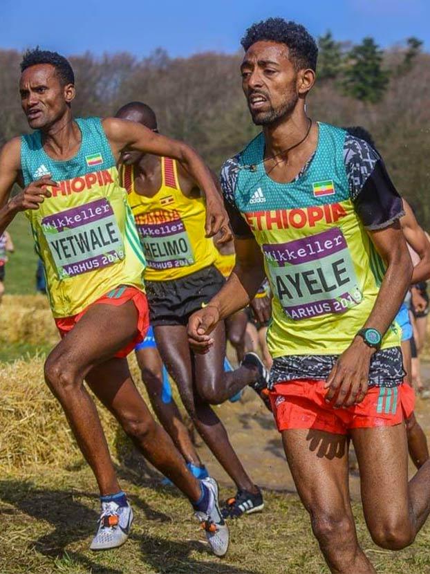 Incredulidad ante los supuestos 18 años de dos atletas etíopes en el Mundial sub-20 de cross
