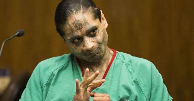 Decapita a su compañero de celda después de quitarle un ojo, un dedo, y parte de un pulmón