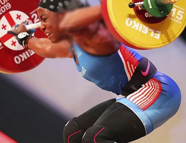 Una levantadora de pesas se rompe el brazo tras levantar 107 kilos