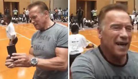 Arnold Schwarzenegger recibe una brutal patada por la espalda en un acto en Sudáfrica