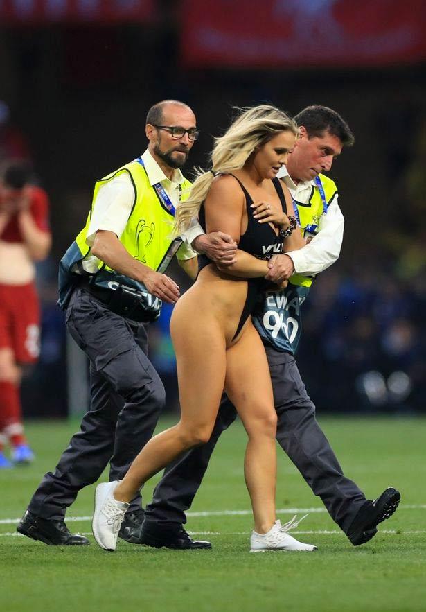 Kinsey Wolanski, la mujer que saltó al campo en la final de la Champions League