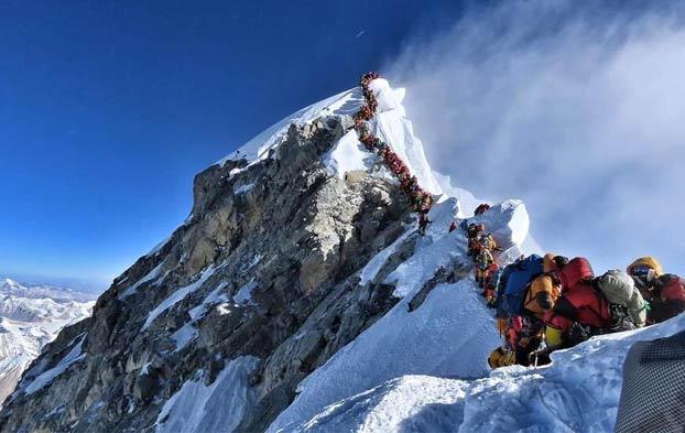 Si la foto del atasco en el Everest os causó angustia, no os perdáis el vídeo