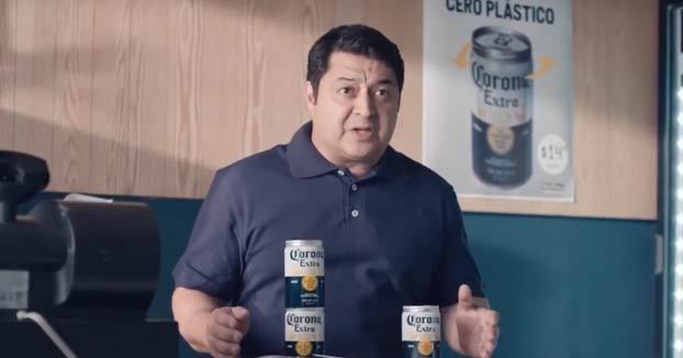 La marca de cerveza Coronita ha ideado un sistema en sus latas para eliminar las anillas de plástico