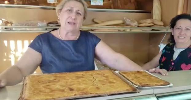 Cuqui, de la panadería Bardisa Pérez: ''A los alicantinos en fiestas les gusta mucho la coca''