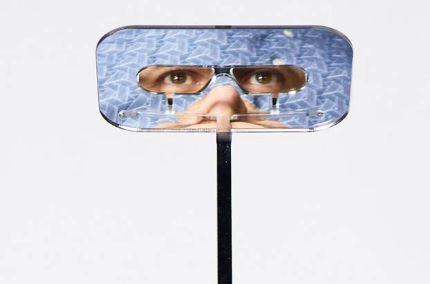 Inventa unas gafas periscopio para que las personas bajas puedan ver bien en los conciertos