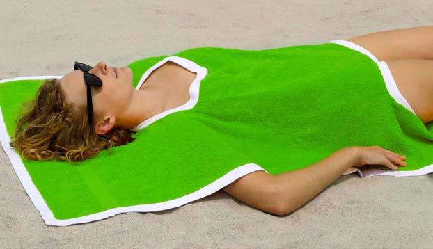 Llega el Towelkini: Toalla y bañador en uno