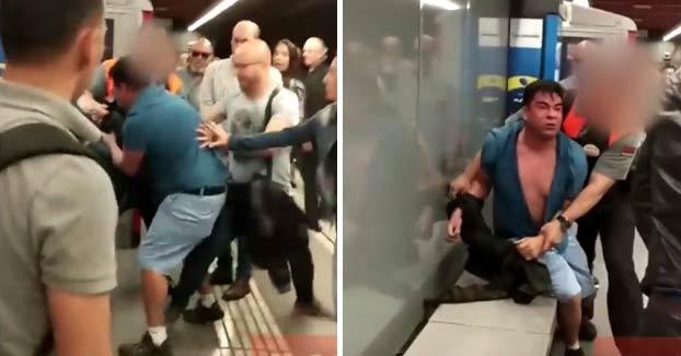 Varios viajeros agreden a otro carterista en el Metro de Barcelona