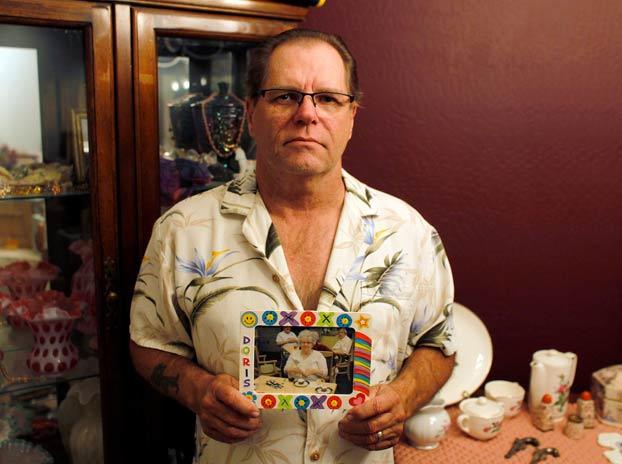 Dona el cuerpo de su madre para la medicina y descubre que el Ejército de EEUU lo compró y lo hizo explotar