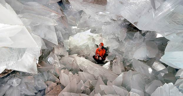 Abren al público 'La Geoda', una cueva de cristales gigantes a 60 metros de profundidad en Almería