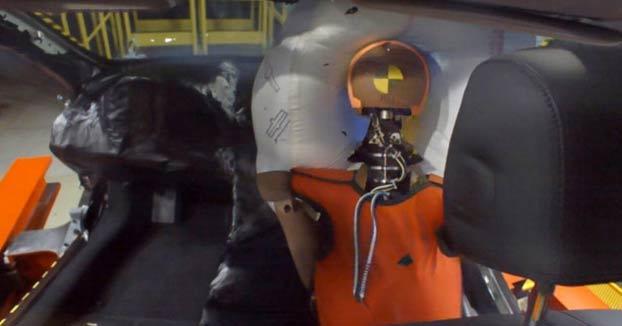 Honda desarrolla un novedoso airbag para el pasajero