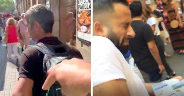 Un hombre reparte collejas a los carteristas que se encuentra en el centro de Barcelona