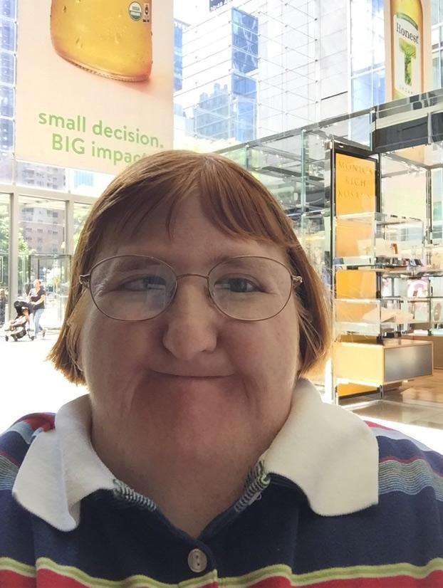 La respuesta de la periodista criticada por ser ''demasiado fea'' para los selfies