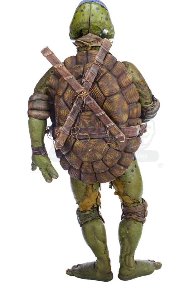 Nadie quiso comprar el traje original de Leonardo de la película Ninja Turtles que se subastaba