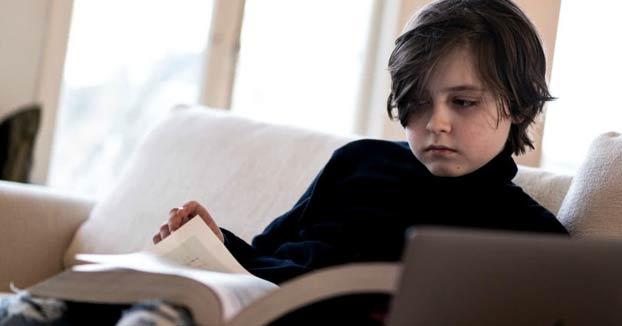 El pequeño Einstein: Un niño se gradúa a los nueve años como ingeniero eléctrico
