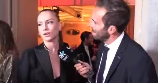 Álvaro Ojeda, a Ester Expósito: ''Ese escote no es de princesa Disney, que los príncipes se pondrían palote''