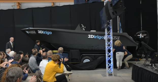 El Centro de Estructuras y Compuestos Avanzados de la Universidad de Maine ha creado el barco impreso en 3D más grande del mundo en 72 horas