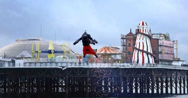El Ironman de carne y hueso bate el récord de velocidad con su jetpack: 136 km/h