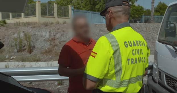 Un camionero triplica la tasa de alcohol permitida y acaba acusando a sus compañeros