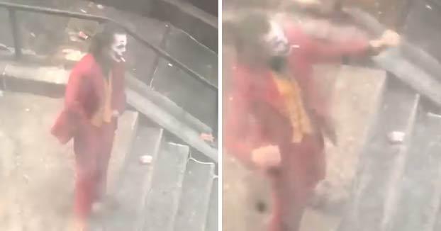 La escena del Joker bailando en las escaleras grabada por un vecino desde su casa