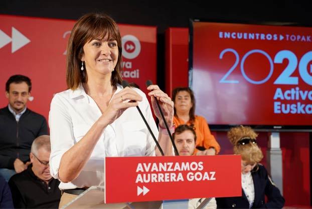 Alf en un mitin del PSOE: ''He tenido que mirar la foto dos veces porque me ha parecido ver a Alf a la derecha''