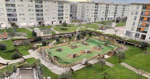 Se hunde un parque infantil sobre un parking subterráneo en Santander