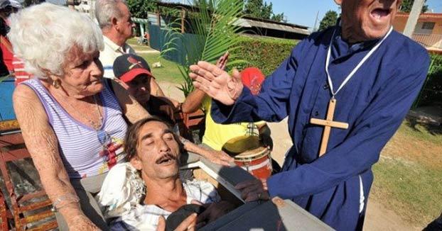 ''El entierro de Pachencho'': Cómo los cubanos se burlan de la muerte