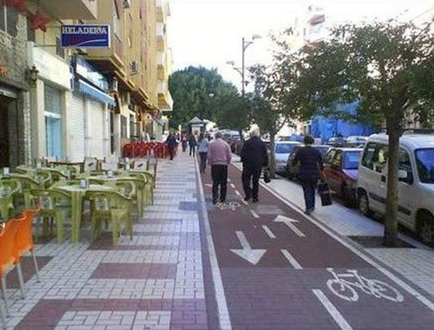 La Guardia Civil se lleva cientos de críticas por esta foto: ¿ves cuál es el problema?