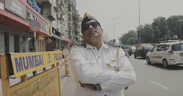 Experimento que han llevado a cabo en algunos semáforos de Mumbai para que los conductores no toquen tanto la bocina