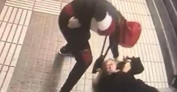 Buscan al autor de la brutal agresión a una mujer en el metro de Barcelona para robarle
